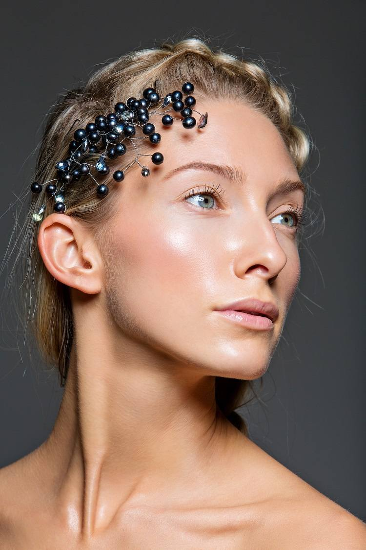 New make-up trend for 2021: Glass skin make-up